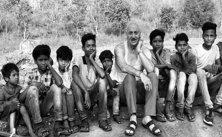 अभिनेता अनुपम खेर को भाया मप्र का गांव